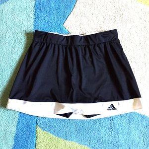 Adidas Climalite size small- no tag- skort